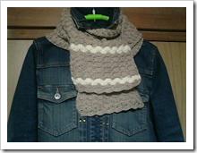 松編みのマフラー